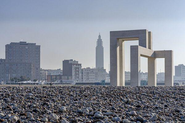 Le temps de ce dimanche s'annonce ensoleillé au Havre, et les 25° prévus laissent présager d'une belle affluence sur les galets...