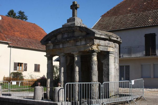 Fontaine de Sermange (39)