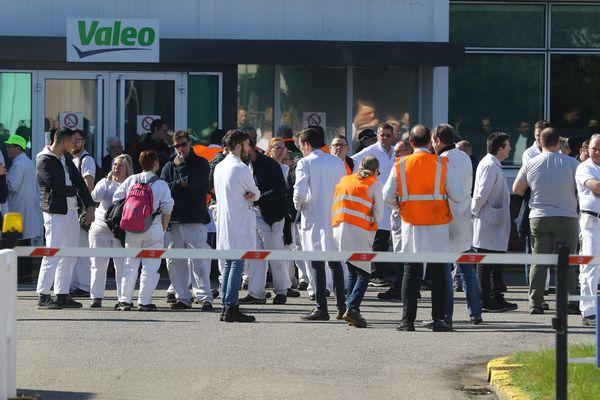 Les salariés de plusieurs usines Valeo exigent la fermeture de leur site pour cause de coronavirus, ici le site d'Amiens, le 17 mars 2020