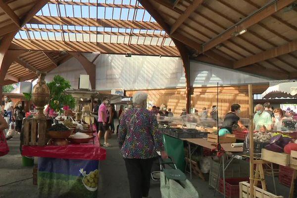 La halle Georges Brassens peut de nouveau accueillir des marchés trois matinées par semaine.