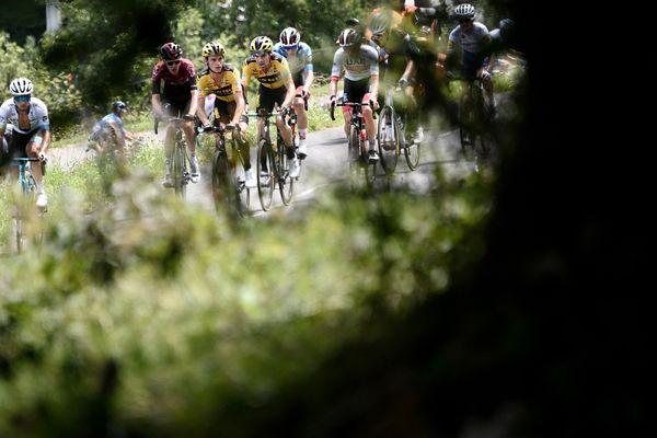 Les coureurs du Critérium du Dauphiné en Savoie le 16 août 2018, lors de la 72e édition de la course.
