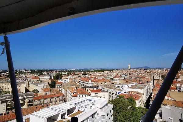 Du dernier étage, Higher Roch offre une vue sur toute la ville