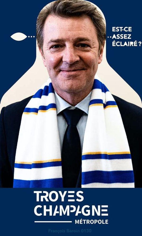 François Baroin a lui aussi joué le jeu avec sa silhouette dans le stade