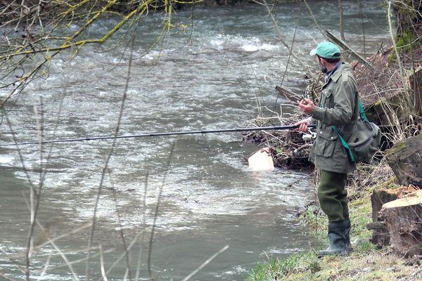 La pêche a la truite ouvre ce samedi 9 mars 30 minutes avant le lever du soleil.