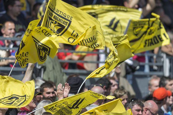 Les supporters rochelais sont plus que jamais engagés derrière leur club, le stade Rochelais.