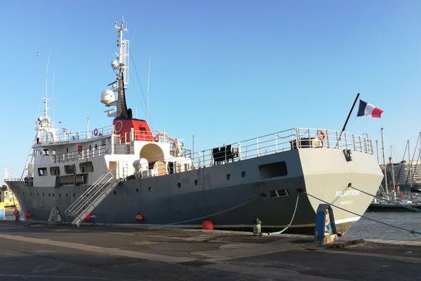 Le Polarfront , immatriculé à Marseille fait son escale technique annuelle à Boulogne