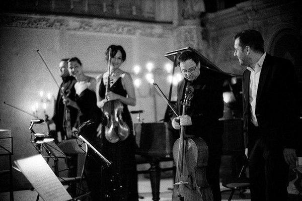 L'armée des Romantiques est un ensemble musical et vocal jouant sur instruments anciens.