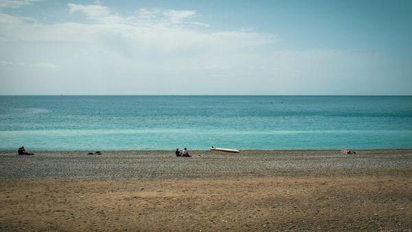 Après le déconfinement, plage et distanciations sociales