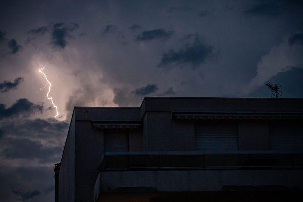 En Auvergne-Rhône-Alpes, des orages et averses de grêle sont prévus pour la soirée ce mardi 21 juillet.