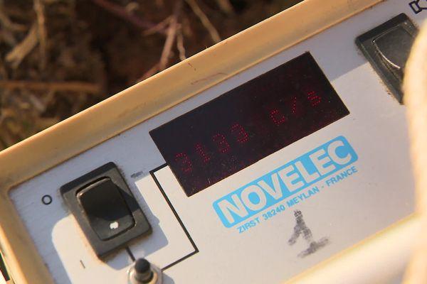 Plus de 3000 chocs par seconde à proximité des déchets radioactifs sur une chemin public près de la carrière de Bellezane