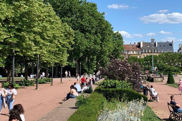 Il y a avait foule ce samedi 30 mai 2020 dans les parcs et jardins de Metz, pour la ré-ouverture après le confinement imposé par la crise du coronavirus