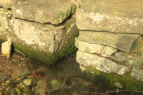 Sous la roche, une autre richesse de notre région : l'eau !
