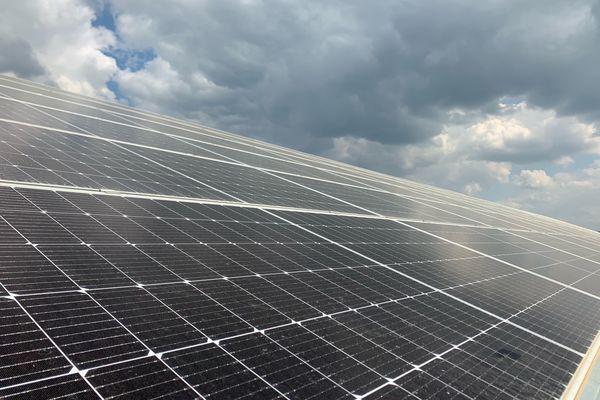 Des panneaux photovoltaïques sur 180 hectares