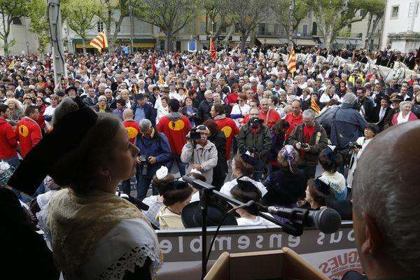 Rassemblement pour les coutumes à Saint Rémy de Provence, le 19 avril 2015