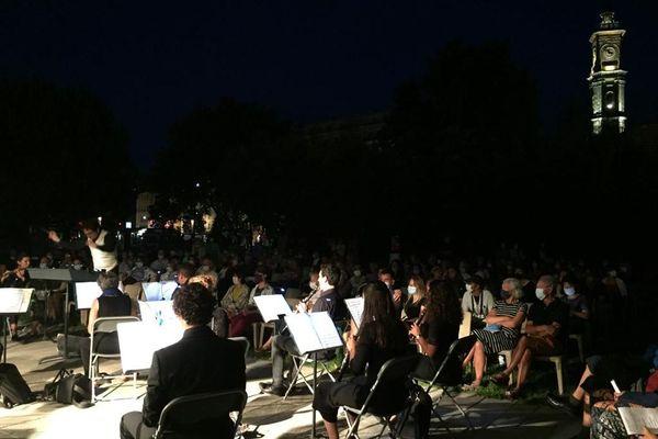 Le concert hommage aux victimes de l'attentat de Nice ce mardi 14 juillet.
