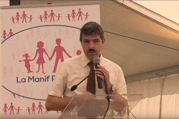 Philippe Soual, professeur de philosophie à l'Institut Catholique de Toulouse et au Lycée Pierre Fermat, participe régulièrement aux réunions de la Manif pour Tous.