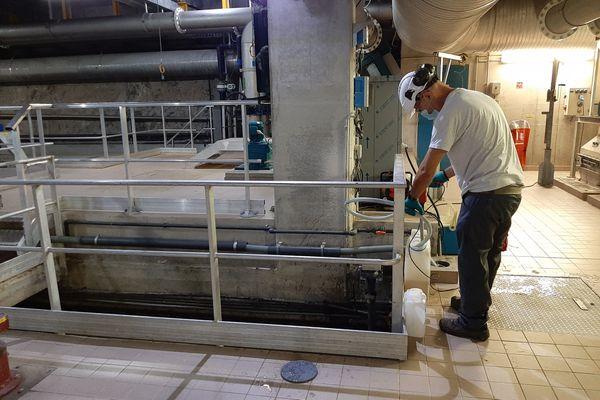 Dans la station d'épuration souterraine de Menton, près de 3 milliards de m3 d'eaux usées transitent pour être traitées.
