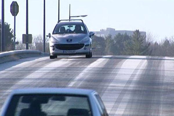 Le verglas recouvrait encore les routes du Limousin ce matin