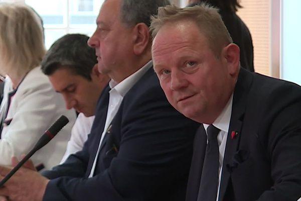 Nicolas Decayeux, lors de la réunion de crise.