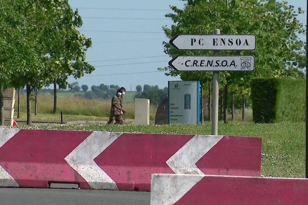 L'ENSOA de Saint-Maixent-l'Ecole (Deux-Sèvres) où l'opération de dépistage général se déroule à huis clos.