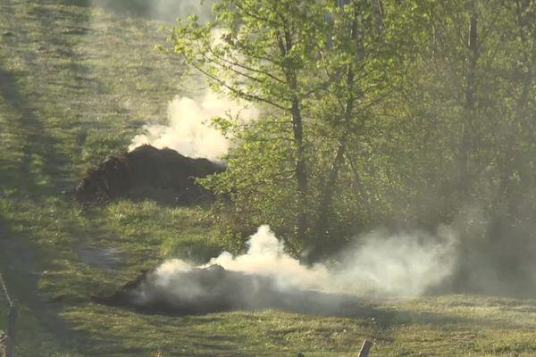 Les feux sont là pour réchauffer les vignes et limiter les effets du gel. Dans certains secteurs de Gironde, ils occasionnent une gêne pour les riverains.