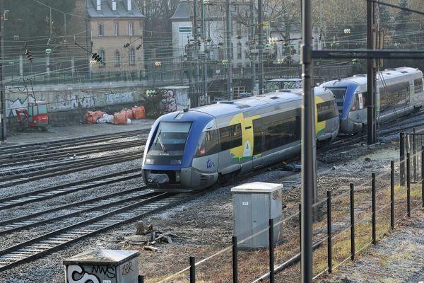Un TER arrivant en gare de Mulhouse.