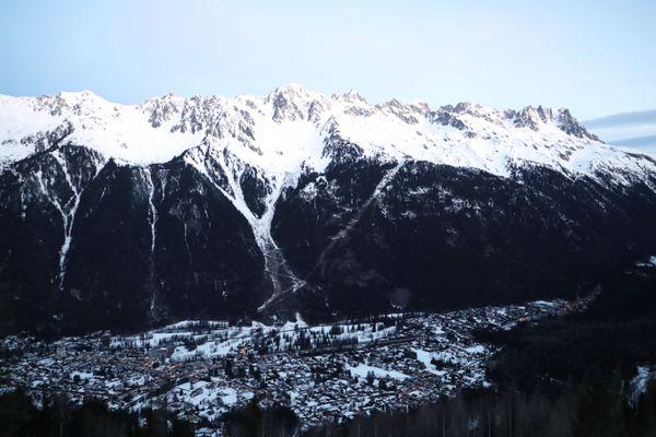 Chamonix, au pied du massif du Mont-Blanc - Photo d'illustration