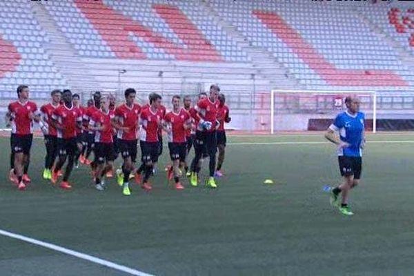 Footing de début d'entraînement pour les joueurs de l'ASNL.