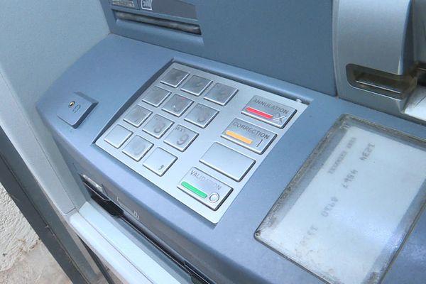 Un réseau qui s'attaquait à des distributeurs automatique de billets a été démantelé.