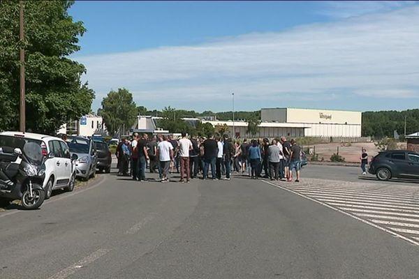Près de 80 salariés de WN étaient rassemblés ce matin pour exprimer leurs craintes.