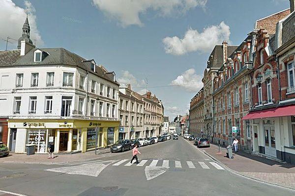Les faits ont eu lieu dans cette rue du centre-ville de Cambrai.