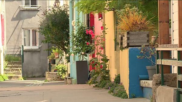 Une petite rue typique du village de Trentemoult
