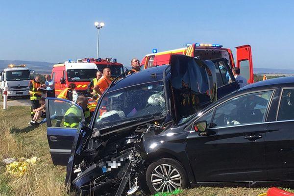 Collision entre 3 véhicules sur la RD 913 fait 8 blessés