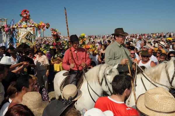 Procession de la satue de Sainte Sara à la mer, Patronne des Gitans