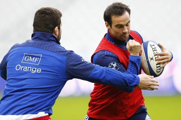 Morgan Parra lors de l'entraînement avec le XV de France.