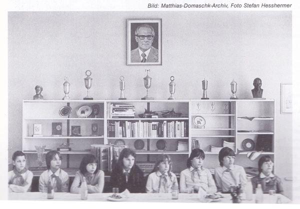 Image d'archive : une classe est-allemande.