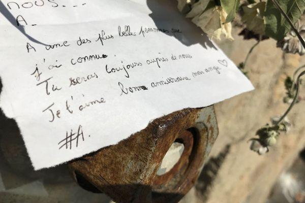 Des petits mots en souvenir d'Axelle Rodier, victime d'un tragique accident