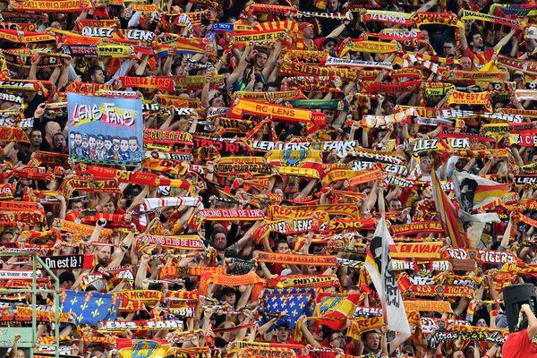 La tribune des supporters du RC Lens au stade Bollaert-Delelis