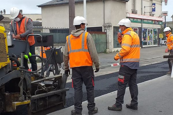 A Soissons, des travaux de purge sur une chaussée dégradée viennent tout juste d'être réalisés.