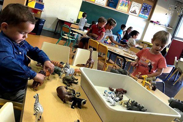 C'est la première matinée de l'année pour les enfants de la maternelle Jean Moulin à Couzeix.