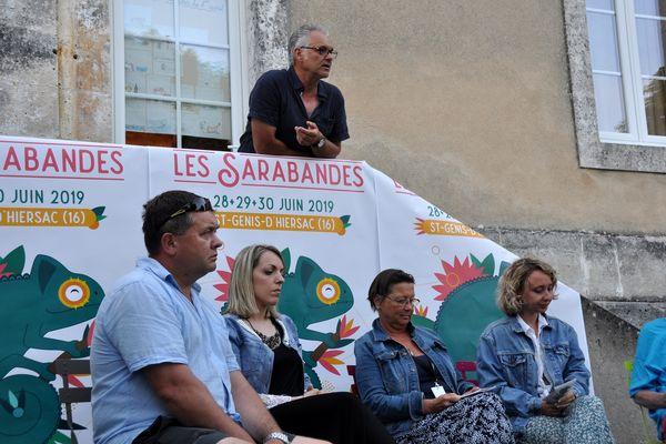En 2019, Joël Breton, président de l'association culturelle du Rouillacais, lors de la remise des prix des Sarabandes.
