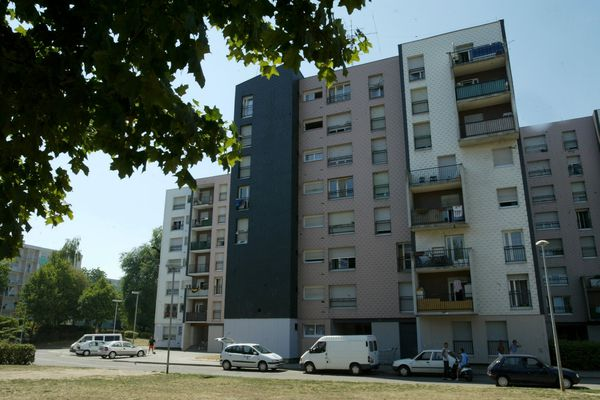 Les premiers habitants de Hautepierre sont arrivés en 1969. Les constructions se sont poursuivies jusqu'en 1984