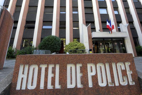 Les suspects se sont présentés d'eux-même à l'hôtel de police de Lyon, 2 heures après les faits, dimanche 19 juillet.