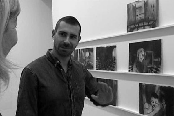 Marc Bauer explique son travail à l'équipe de PILS