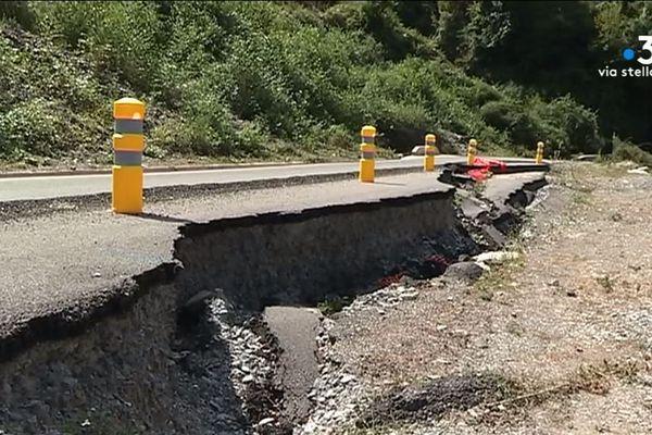 Les habitants de Castaniccia ont parfois le sentiment d'être oubliés. Depuis l'automne dernier, le réseau routier est très endommagé en raison de fortes intempéries.