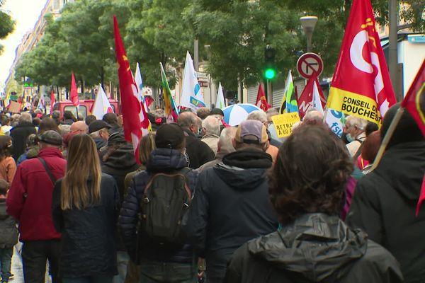 3500 personnes, selon la préfecture de Police des Bouches-du-Rhône, ont défilé ce samedi 1er mai dans les rues de Marseille.