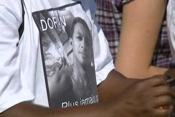 Le meurtre avait suscité beaucoup d'émoi sur les lieux mêmes de sa mort. Une marche blanche avait réuni 500 personnes en mémoire de Dorian Bambara, 23 ans mort en 2009.