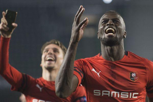 Mbaye Niang et Adrien Hunou ont marqué 2 des 3 buts de la qualification pour les 8e de finale de l'Europa Ligue, jeudi 21 février