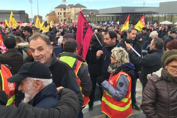 A Rodez dans l'Aveyron, 4500 personnes sont attendues pour manifester.