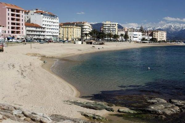Ajaccio, les plages du Trotel